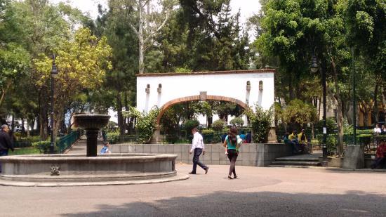 San Jacinto Plaza: Центр сквера
