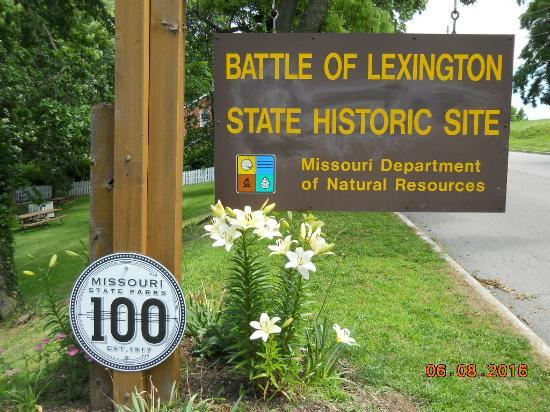 Lexington, MO : Roadside Sign