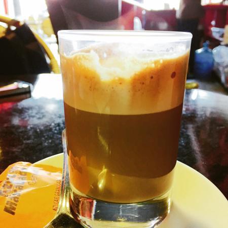 Naucalpan, Mexico: Cafe Cortado excelente