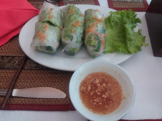 ريثي رين أنجكور هوتل: Comida muy rica, con linda vista.