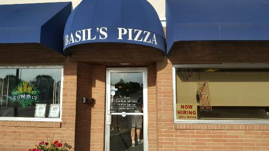 Northfield, MN: Basil's Pizza Palace