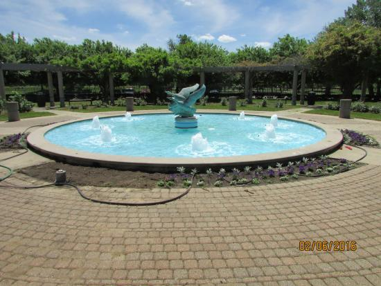 Andersen Enrichment Center: Fountain with geese in flight