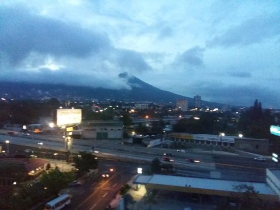 Hotel Capital : Volcán