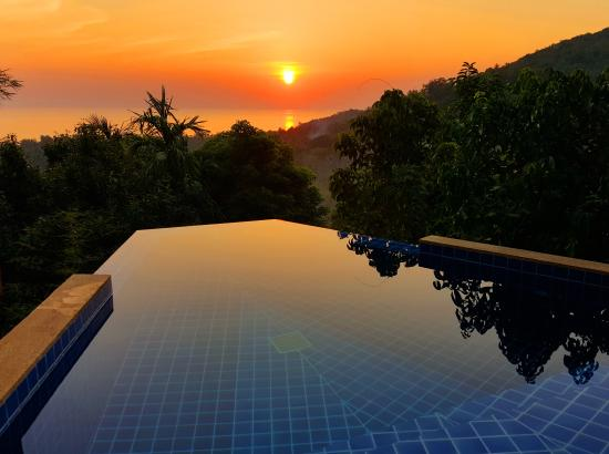 The Place Luxury Boutique Villas: Sunset over the Gulf of Thailand