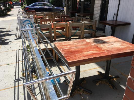 Regent Thai: Outdoor Tables