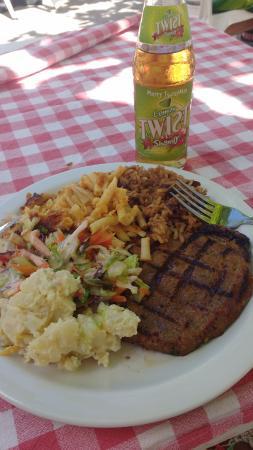 Carib Beach Bar : Almoço tradicional - Bbc