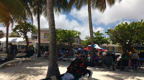 Carib Beach Bar : Frente do bar
