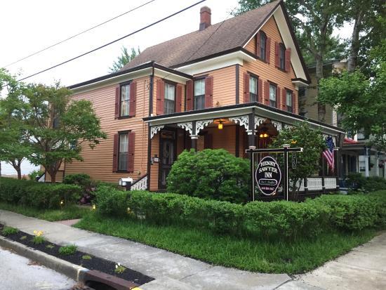 Henry Sawyer Inn: Inn as seen from the street