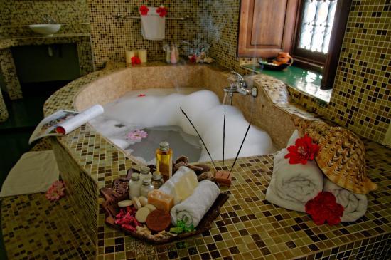 Zanzibar Palace Hotel: Kijani Grand Suite - Bathroom