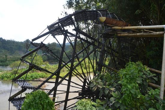 Sawahlunto, Indonesien: kincir air ini lebih indah jika dinikmati jika kita berada lebih jauh dr kincir