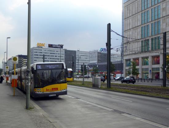 Ibis Budget Berlin Alexanderplatz: 500 meter till TXL-bussen