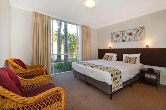 Sunbreakers: 2 Bedroom Apartment