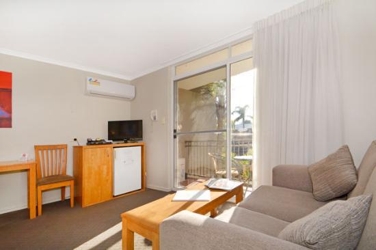 Sunbreakers: Motel Room