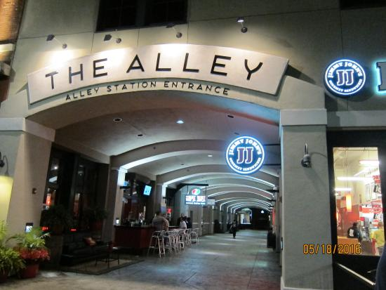 Hampton Inn Suites Montgomery Downtown Restaurants Located Near Hotel