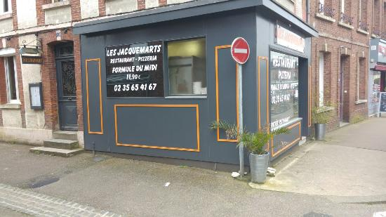 Les Jacquemarts Restaurant - Pizzeria