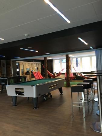 เจเนเรเตอร์โฮสเทลโคเปนเฮเก่น: Poolbiljart and hammock