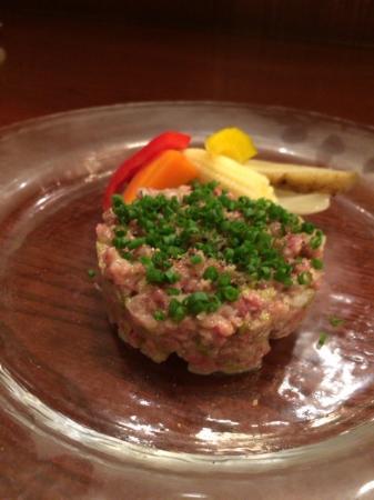 Aux Gourmands: タルタルステーキ