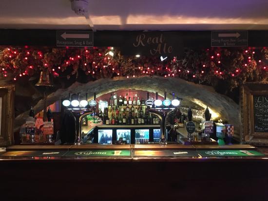 The Golden Fleece: Interesting bar!