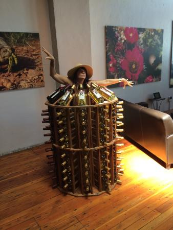 Pearce, AZ: We could not resist turning the wine rack into a dress. They had two very amazing red wines