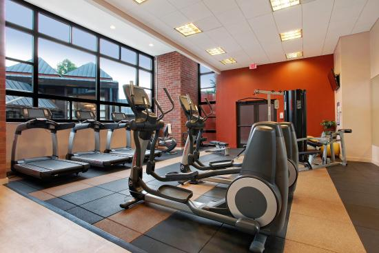 The Saratoga Hilton: Fitness Center - VHT - 05/12