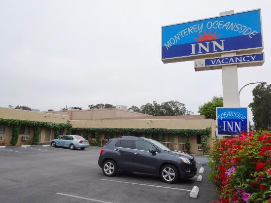 Monterey Oceanside Inn: Sicht von der Einfahrt rechts