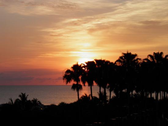 National Hotel: Panorama dalla camera al tramonto