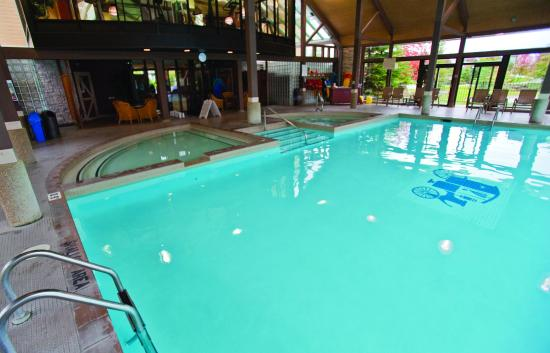 Barrie, Canada: Outdoor Swimming Pool