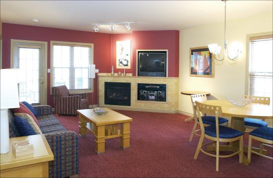 Barrie, Kanada: Suite Living Area