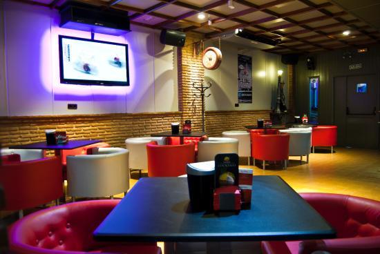 Cafe Aujar