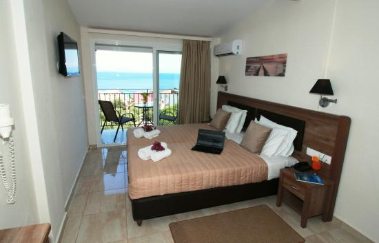 Photo of Yiannis Hotel Apartments Corfu