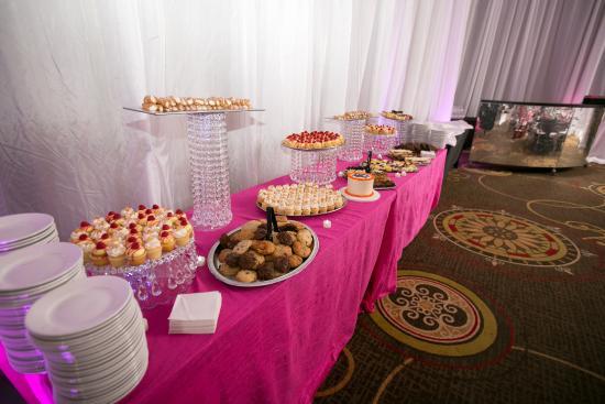 เบย์ซิตี, มิชิแกน: Hot Pink Decor And Treats