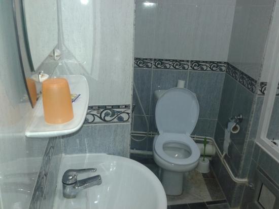 Hotel d'Hydra: baño