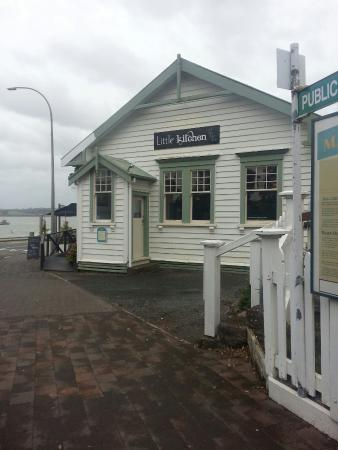 Mangonui, Nouvelle-Zélande : Coffee and cake at delightful place in Mongonui