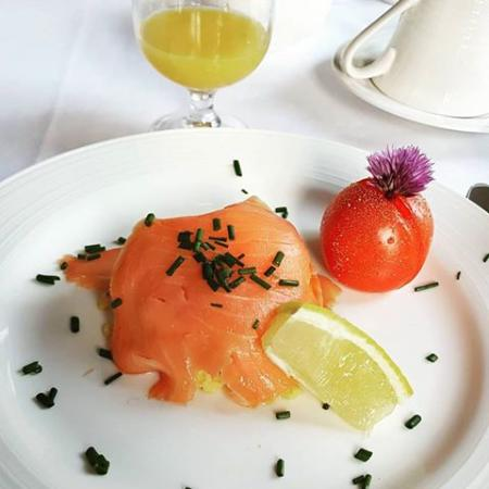 Willow Tree Cottage : ....uova strapazzate e salmone....Breakfast time!!