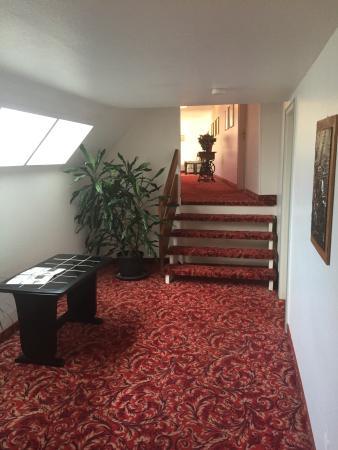 Hotel Jägerhof Langenhagen: Das Hotel ist schon etwas in die Jahre gekommen...