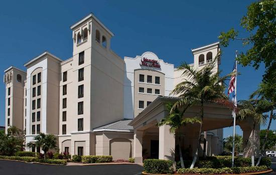 Hampton Inn & Suites Miami-Doral/Dolphin Mall: Hotel Exterior