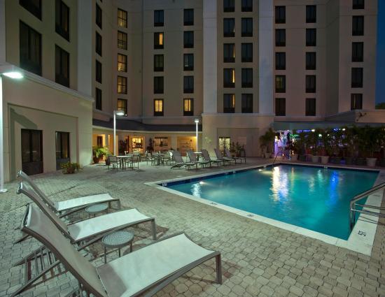 Hampton Inn & Suites Miami-Doral/Dolphin Mall: Pool