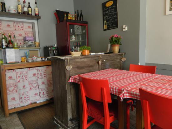 Фаверже, Франция: bancone dove si paga
