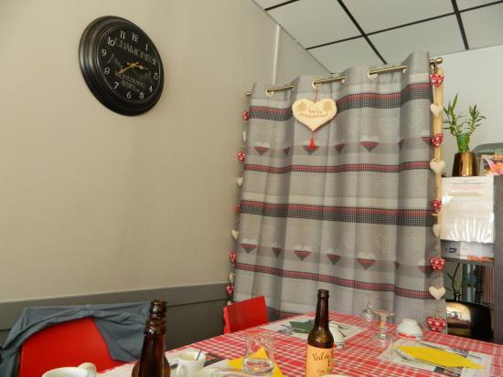 Faverges, Fransa: tavolo