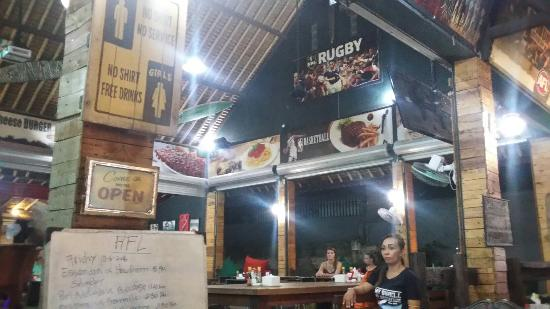 Swell Bar & Restaurant