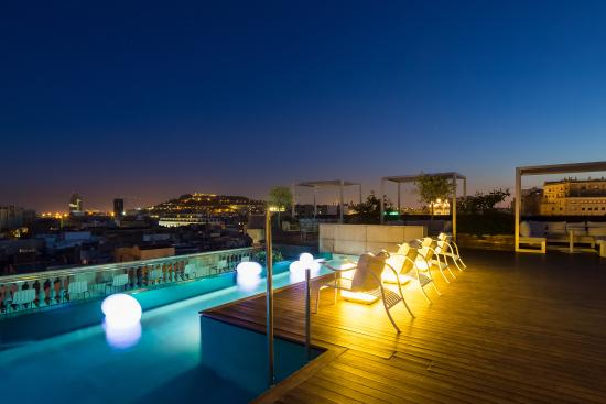 Terraza chill out picture of hotel ohla barcelona for Ohla hotel barcelona