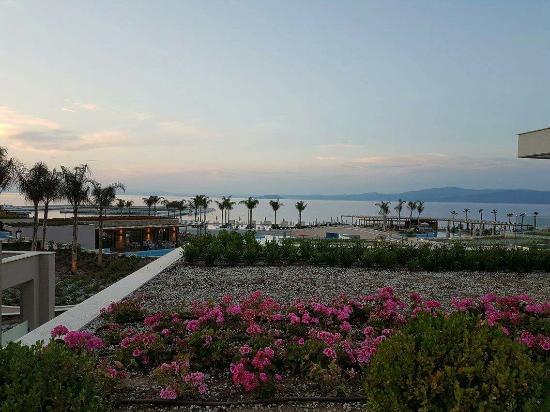 Paliouri, Yunanistan: Sunset in Miraggio