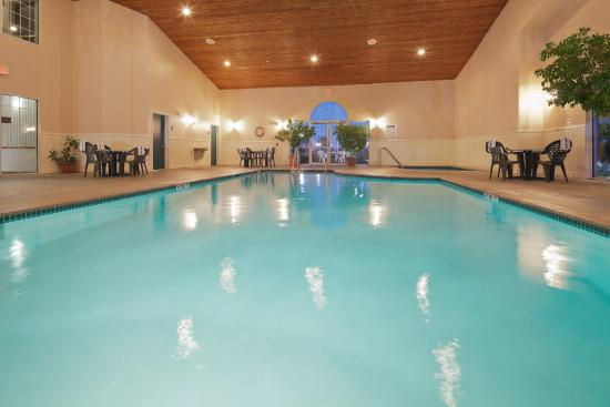 Country Inn & Suites By Carlson, Green Bay : CountryInn&Suites GreenBay Pool
