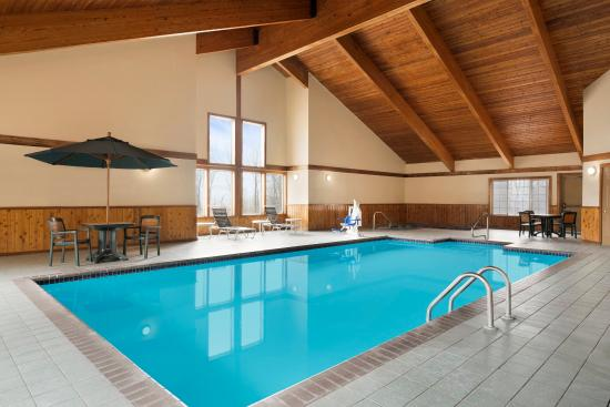 Country Inn & Suites By Carlson, Alexandria: ALXDPool