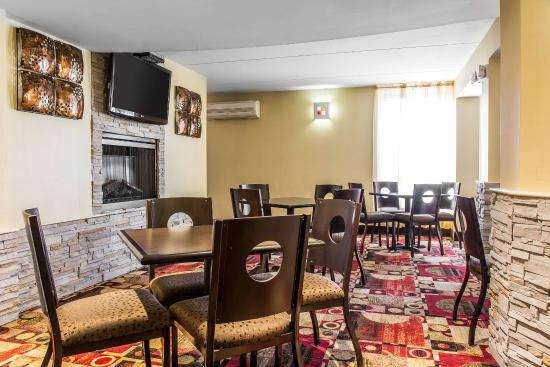 Comfort Inn & Suites East Hartford