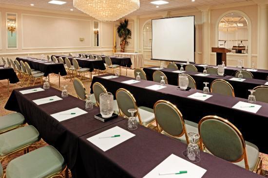 Carteret, NJ : Meeting Room