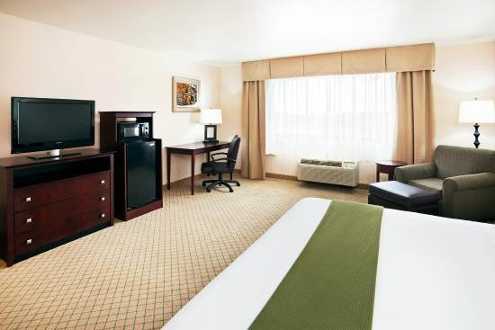 Holiday Inn Express Abingdon: King Bed Guest Room