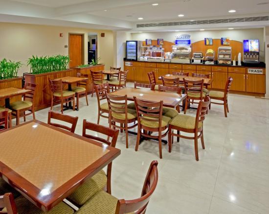 Maspeth, Νέα Υόρκη: Breakfast Area