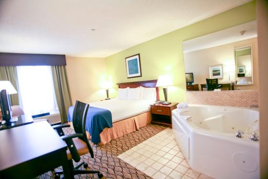 Hotel With Jacuzzi In Room Roseville Mi