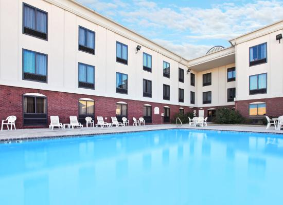 Pine Bluff, AR: Swimming Pool